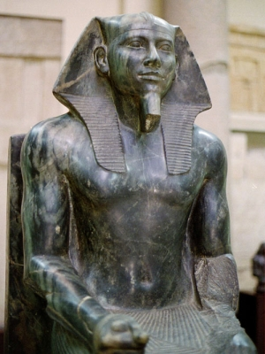 Diorite statue of Khafre in the Cairo Museum (courtesy of Wikimedia Commons)
