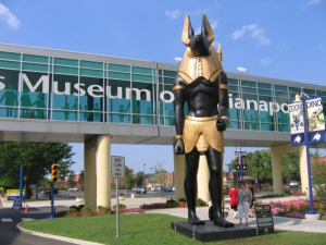 Anubis guarding the Children's Museum of Indianapolis skywalk (Photo by Meredith Hayden)