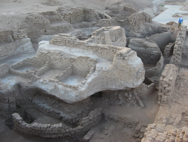The excavation area showing the layers that make up the tell (Photo by Gregory Marouard, Tell Edfu Project)