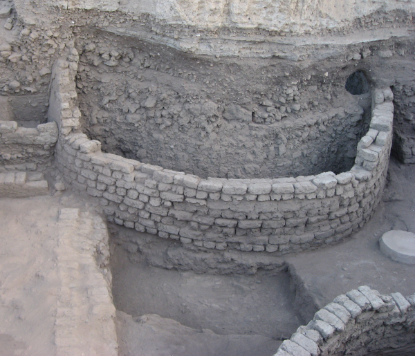 Did these disproportionately large silos serve as a depot for Theban royalty during their conflict with the Hyksos? (Photo by Gregory Marouard, Tell Edfu Project)