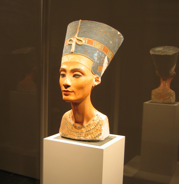 The Bust of Nefertiti—still stirring hearts after all these years (Photo by RinzeWind)