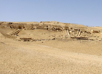 Tombs of the workers overlooking Pyramid City (Photo by Jon Bodsworth)