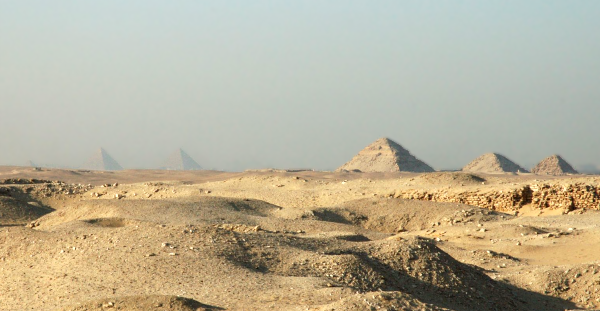 The Pyramids of Dashur and Giza as viewed from Saqqara (Photo by Gaspa)