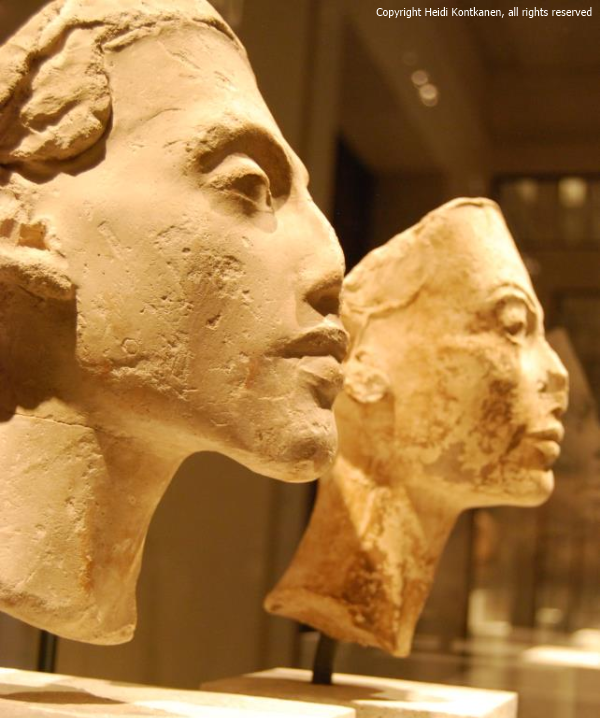 Portrait of Akhenaten and Nefertiti. 18th dynasty, Amarna (ÄM21349 and ÄM21348). Neues Museum, Berlin (Photo by Heidi Kontkanen)