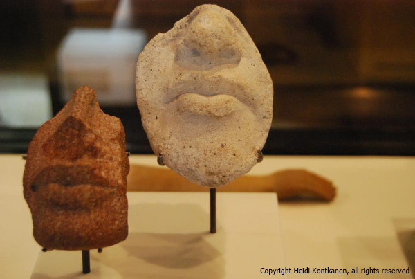 Fragments of sculptor´s study of faces, of mouth and nose. 18th dynasty, Amarna (ÄM21207 and ÄM21234). Neues Museum, Berlin. (Heidi Kontkanen)