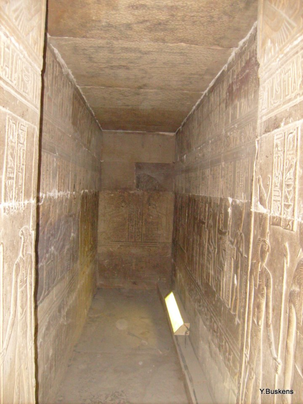 Into one of the narrow chapels at Dendera Temple (Photo by Yvonne Buskens)