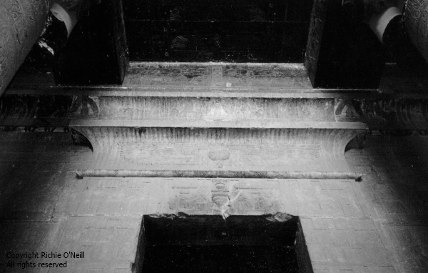 025 - richie03 - bw temple dendera
