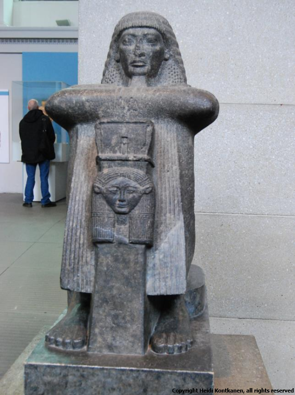 Gray granite figure of Roy (Photo by Heidi Kontkanen)