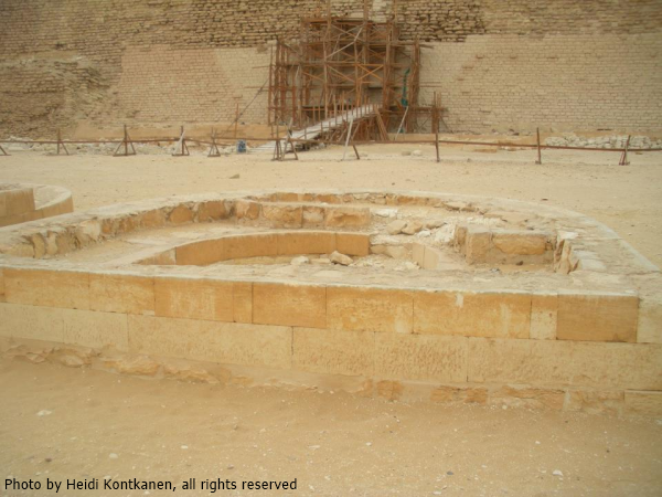 "There are two pairs of these ""horseshoe altars"" on the great court of Djoser´s Pyramid Complex and they are about 60m apart from each other (Photo by Heidi Kontkanen)"