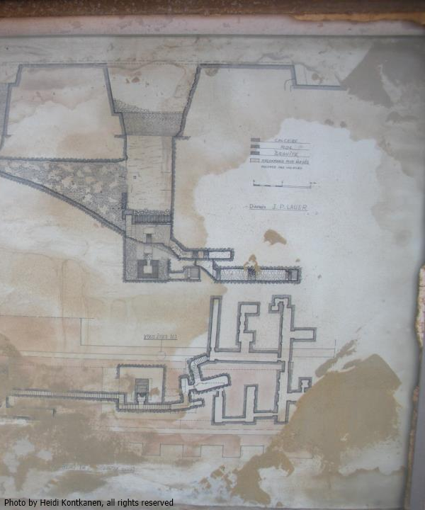 Layout of the South Tomb (written on the map: d'après J.P. Lauer).  The South Tomb is a near-replica of the large tomb in the north (under the pyramid), though built to a smaller scale.