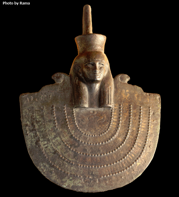 Twenty-Sixth Dynasty aegis of Neith, currently in the Museum of Fine Arts of Lyon (Photo by Rama)