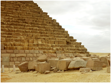 The granite blocks for the facing of Menkaure's pyramid are longer to be structurally embedded