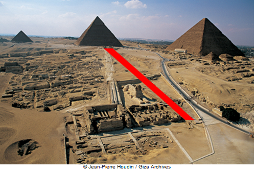 The topography of the ground would have been clearly suitable to set up the Royal Causeway for Khafre on the West/East axis; thus the Valley temple would have been built on the North side of the Sphinx Temple, this one being de facto on the South of the Royal Causeway.