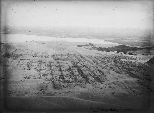 Western cemetery: eastern half (including cemetery G 4000), general view, looking north from Khafre's Pyramid, courtesy of Digital Giza: The Giza Project at Harvard University/Museum of Fine Arts Boston, photo ID HUMFA_A2072_NS.