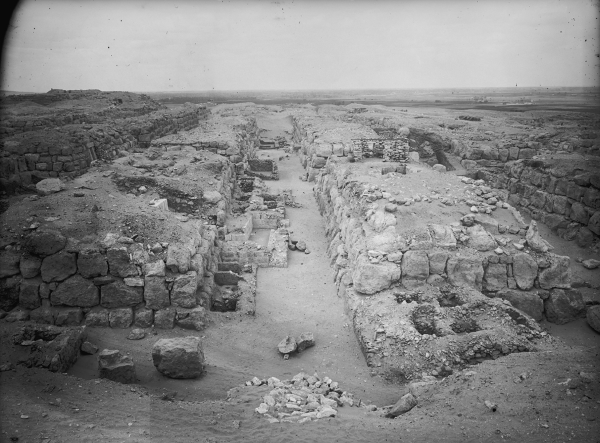 Cemetery G 4000: street between G 4520 (to west) and G 4620 (to east), G 4525 and G 4523 (abutting eastern face of G 4520), G 4616 (abutting southern end of G 4620, foreground right), looking north, Courtesy of Digital Giza: The Giza Project at Harvard University/Museum of Fine Arts Boston, photo ID HUMFA_A2064_NS.