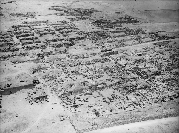 Western cemetery: Khufu and Khafre cemeteries, general view, looking northwest from Khufu pyramid, courtesy of Digital Giza: The Giza Project at Harvard University/Museum of Fine Arts Boston, photo ID HUMFA_A2059_NS.
