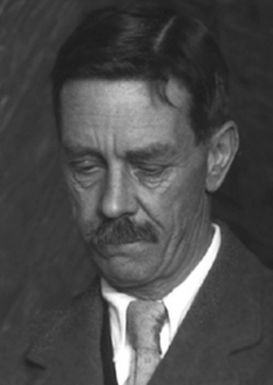 Detail of a photo of Arthur Mace, photo by Harry Burton, circa 1923.