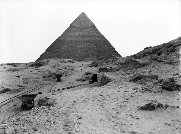 Cemetery G 2000: photo by Lythgoe of preliminary clearing of southern chapel of G 2000 (aka Lepsius 23), looking south. Photo ID HUMFA_A460_NS, photo and description courtesy of the Giza Archives maintained by Harvard University and the Museum of Fine Arts Boston, online at Digital Giza.