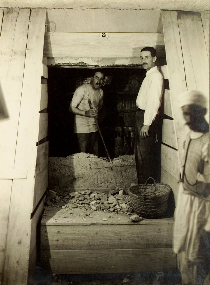 "Arthur Mace (right) with Howard Carter (left) at the tomb of Tutankhamun (KV 62), 1923, photo from Harry Burton's ""Tutankhamun Tomb Photographs,"" published in 1923, source: German Wikipedia."